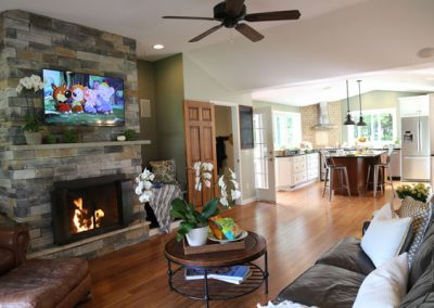 TV on, fireplace on, msuic on…ready to show!