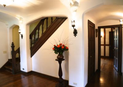 Rochester, NY - Preservation District, Stunning triple arch foyer in city Tudor